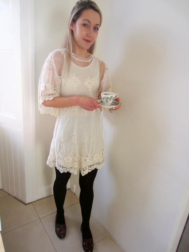 Vintage Lace & teacup xxxx