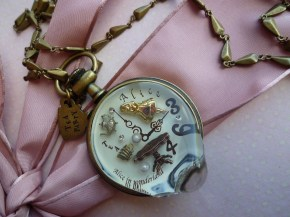 Q-Pot Alice in Wonderland melting watch/ Price on request/ Q-Pot.jp.com
