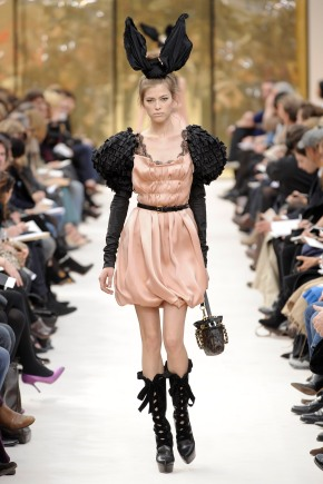 Louis Vuitton: Paris Fashion Week Ready-to-Wear A/W 09