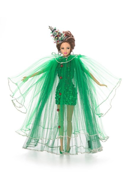 Christmas_Tree_Barbie-stephen-jones-vogue-11nov13-pr_b_592x888