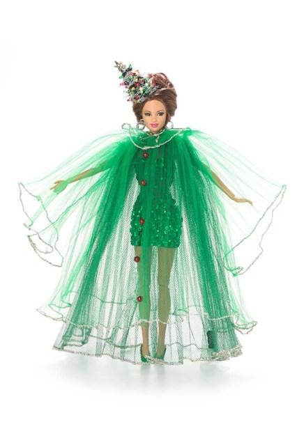 Christmas_Tree_Barbie-stephen-jones-vogue-11nov13-pr_b_592x888
