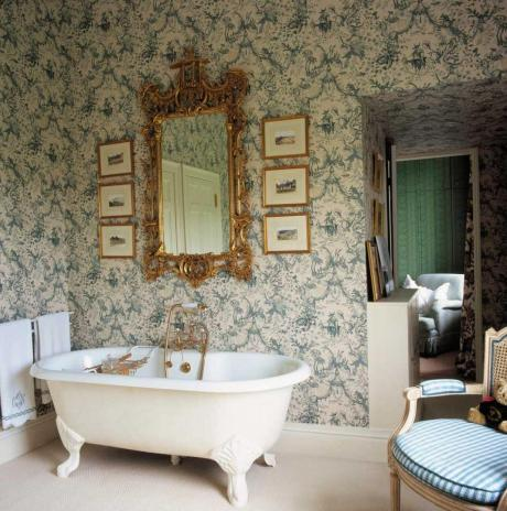 modern-bathroom-in-victorian-style (1)